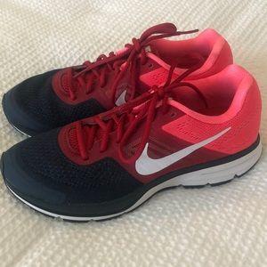 Nike Pegasus Running Shoe Women's size 9 LIKE NEW